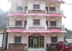 Hotel in Uttarkashi